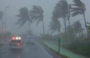 Ο τυφώνας Αϊζάιας τρομοκρατεί τις ΗΠΑ – Σε κατάσταση έκτακτης ανάγκης Φλόριντα και Βόρεια Καρολίνα