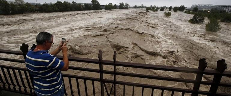 Γαλλία-Ιταλία: Ένας νεκρός και 19 αγνοούμενοι από τις πλημμύρες