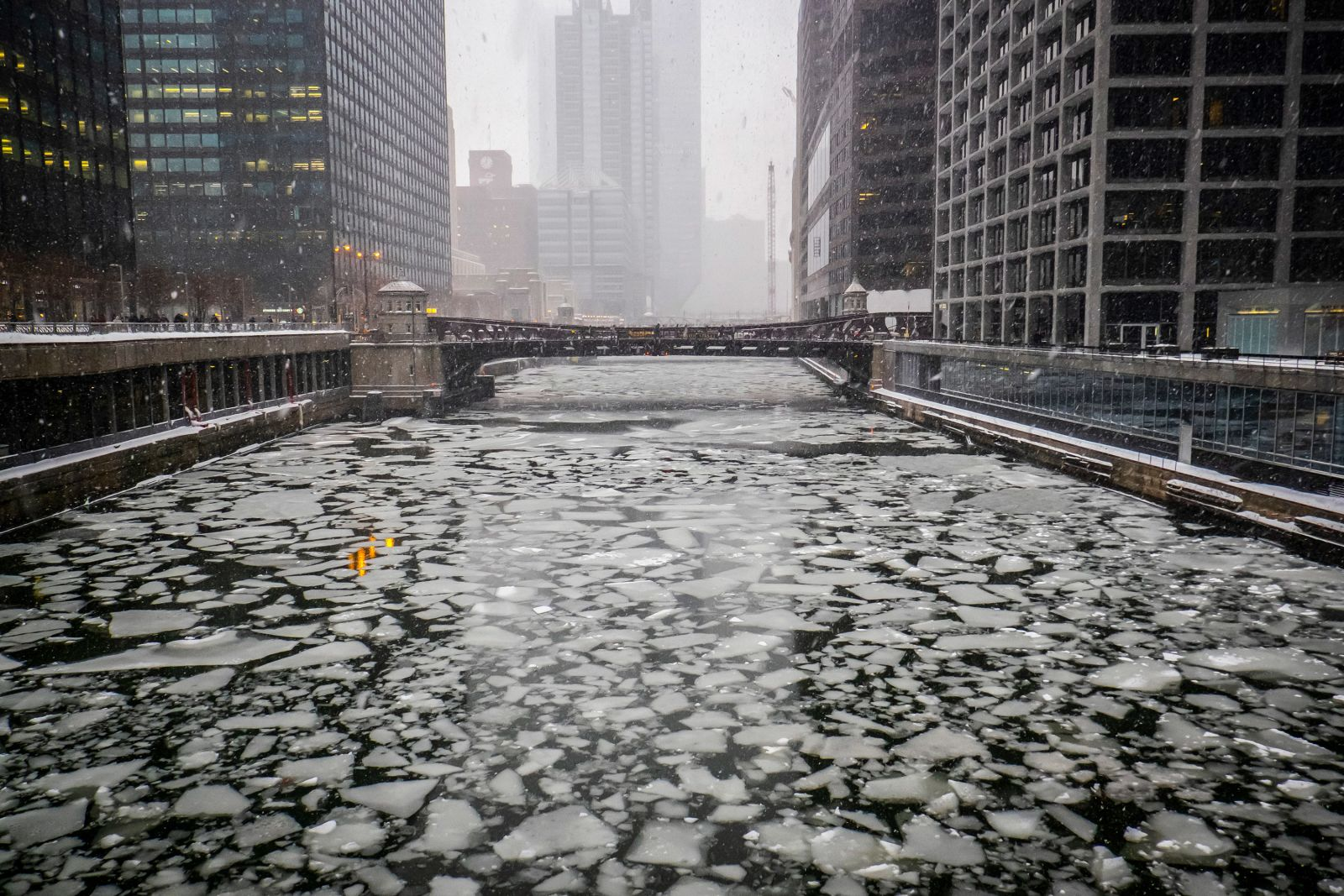 An icy Chicago River is seen from Adams Street on January 28.Rich Hein/Chicago Sun-Times via AP