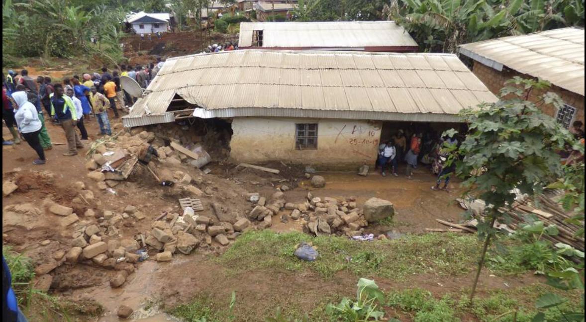 Καταρρακτώδεις βροχές «χτυπούν» το Καμερούν