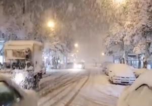 Ιράν: Πυκνές χιονοπτώσεις στα βόρεια της χώρας (videos)
