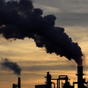 Μείωση ρεκόρ 7% στις εκπομπές διοξειδίου του άνθρακα το 2020