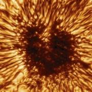 Βρέθηκε ηλιακή κηλίδα μεγαλύτερη από τη Γη