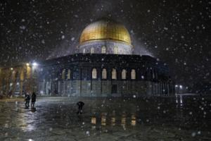Ιερουσαλήμ: Η πρωτεύουσα του Ισραήλ ντύνεται στα λευκά (photos & videos)